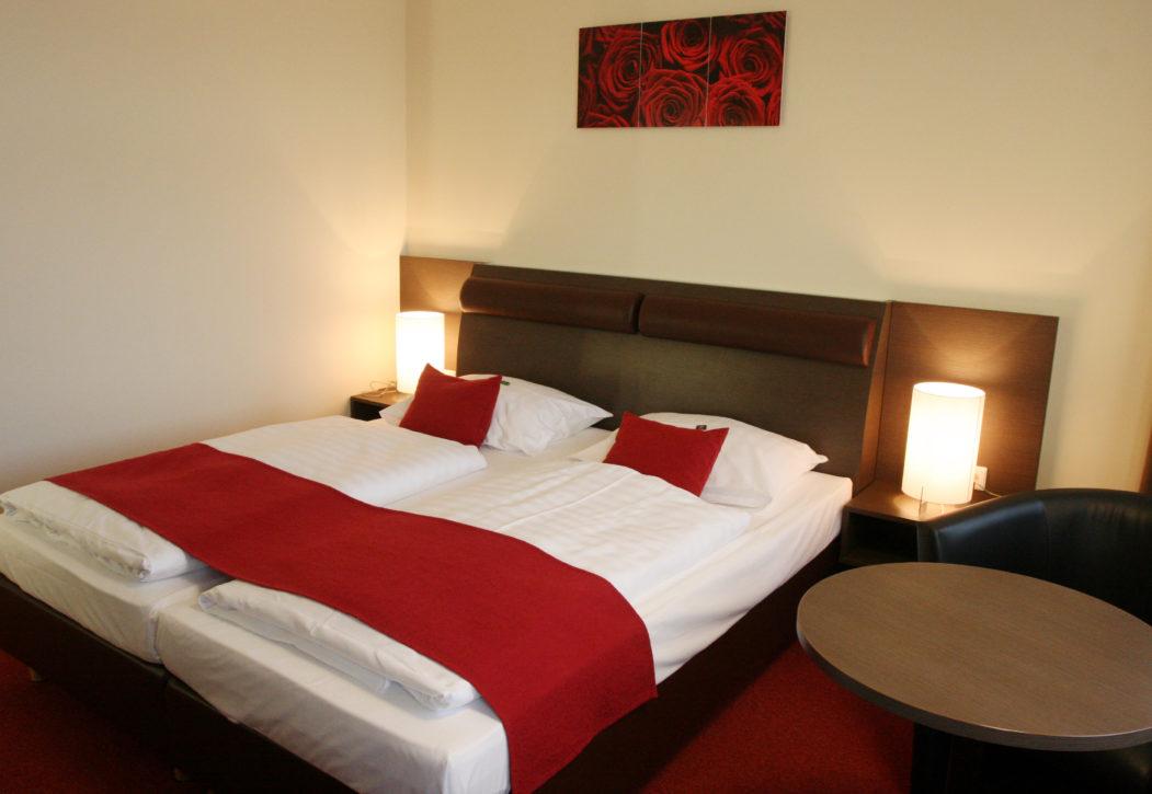 Doppelbett Zimmer2