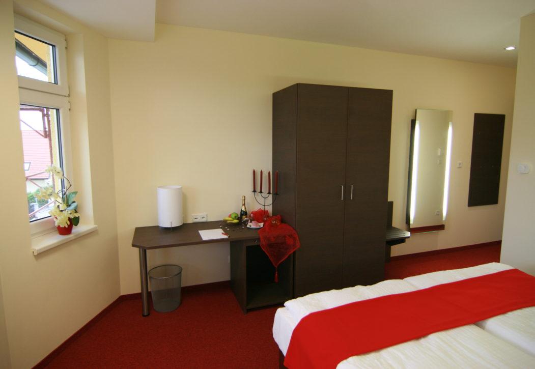 Doppelbett Zimmer3